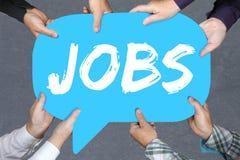 Hållande jobb för grupp människor, funktionsdugliga rekryteringanställda för jobb arkivbilder