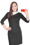 Hållande kreditkort för affärskvinna Royaltyfri Foto