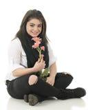 Hållande rosa små buketter i svart och Whtie royaltyfria foton