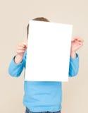 Hållande tecken för barn, ungeutbildning arkivbilder