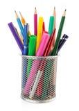 Hållarekorg och penna med blyertspennan Arkivbild