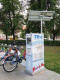 Hållbart offentligt cykla system i Torun, Polen Fotografering för Bildbyråer