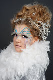 Iklädd vit för flicka Royaltyfri Foto