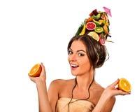 Hår och ansikts- maskering från nya frukter för kvinnabegrepp Fotografering för Bildbyråer