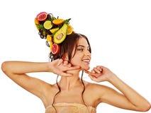 Hår och ansikts- maskering från nya frukter för kvinnabegrepp Royaltyfri Fotografi