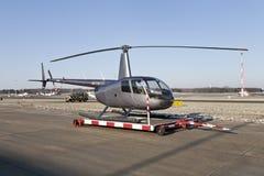 Hélicoptère à l'aéroport Photographie stock libre de droits