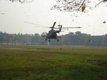Hélicoptère d'atterrissage Photographie stock