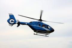 Hélicoptère dans l'action Photos libres de droits