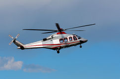 Hélicoptère dans les nuages Image libre de droits
