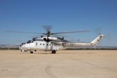 Hélicoptère de combat de derrière du mil Mi-24 Photographie stock libre de droits
