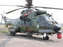 Hélicoptère de combat de l'EC 725 AP Caracal images libres de droits