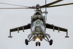 Hélicoptère de combat Mi-24 de derrière Photographie stock libre de droits