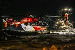Hélicoptère de délivrance de DRF la nuit Photographie stock libre de droits