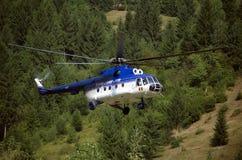 Hélicoptère de lutte contre l'incendie Photos stock