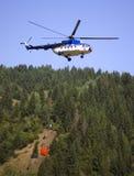 Hélicoptère de lutte contre l'incendie Photos libres de droits