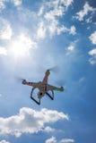 Hélicoptère de quadruple de vol Photo stock