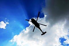 hélicoptère de vol images stock
