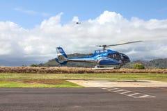 Hélicoptère hawaïen bleu Photo libre de droits