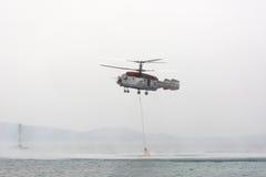 Hélicoptère Kamov ka-32 de pompier Images stock