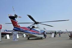 Hélicoptère léger pour l'usage privé Photographie stock libre de droits