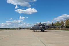 Hélicoptère MI-8 Images libres de droits