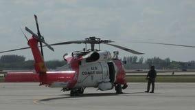 Hélicoptère Miami de la garde côtière banque de vidéos
