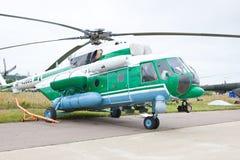 Hélicoptère militaire vert et gris Image libre de droits