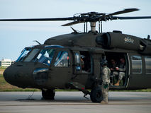 Hélicoptère noir de faucon Photographie stock libre de droits