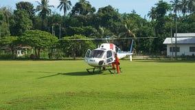 Hélicoptère prêt pour l'opération de SAR photos stock