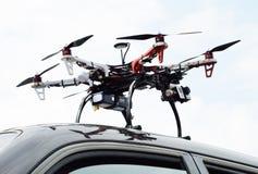 Hélicoptère sur la voiture Images stock