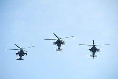 Hélicoptères de Boeing Apache AH-64 de l'armée américaine Photographie stock libre de droits