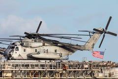 Hélicoptères gros porteurs de transport de Sikorsky CH-53 des Etats-Unis Marine Corps Images libres de droits