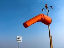 Héliport segnaletic de chaussette de vent images stock