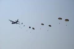 Hércules cae los paracaídas 3 Fotografía de archivo libre de regalías
