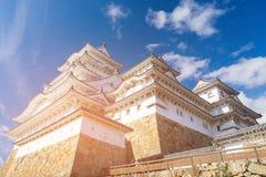 Héritage blanc de château de Himeji contre le ciel bleu Images libres de droits