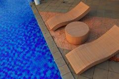 Héritage de l'Indonésie de piscine de chaise bon Images stock