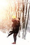 Hétérosexuel de couples l'hiver de rue photos stock