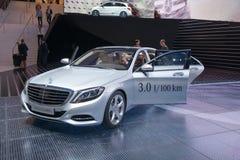 HÍBRIDO del ENCHUFE de Mercedes S 500 Fotos de archivo