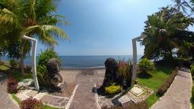 Hôtel dans une station de vacances tropicale clips vidéos