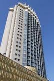 Hôtel de gratte-ciel à Almaty Images stock