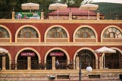 Hôtel de palais de Sheki sur la route au Sheki Khan Palace Image libre de droits