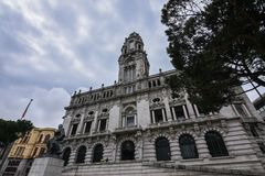 Hôtel de ville de Porto Porto un jour nuageux, Portugal Image de vue de perspective images libres de droits