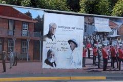 Hôtel en fer à cheval de baie, Chemainus, AVANT JÉSUS CHRIST peintures murales Photographie stock