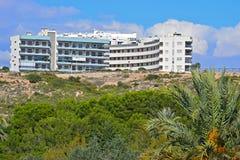 Hôtel et appartements sur la colline Image stock