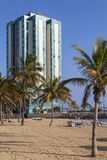 Hôtel et Playa De Reducto de mamie d'Arrecife Photo stock
