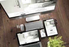 hôtel grand de dispositifs de bureau en bois photo stock