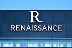 Hôtel moderne de la Renaissance de bâtiment Aéroport de Varsovie Chopin Photographie stock libre de droits