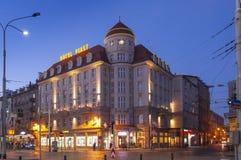 Hôtel Piast pendant le coucher du soleil à Wroclaw images stock