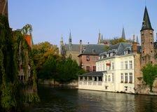 Hôtel sur le canal Photographie stock libre de droits