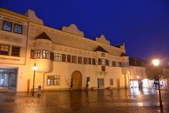 Hôtels de Ville Rathaus de tache la nuit photos stock